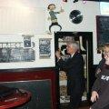 2003 10 22 Burgermeester Elzenga in de Flaat